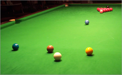 [img]http://www.cuepalace.nl/images/Snooker.jpg[/img]
